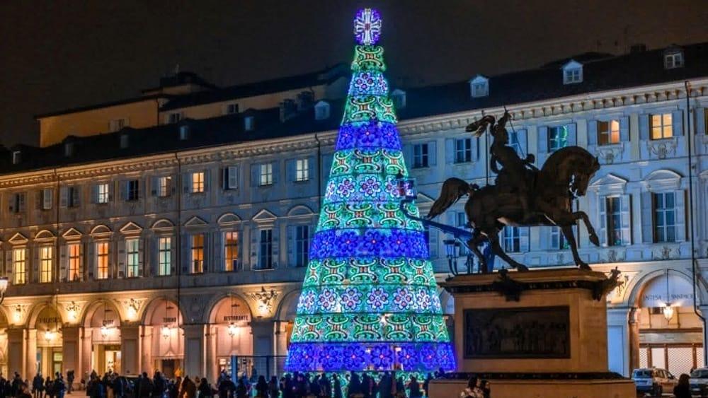 Albero Di Natale A Torino.Accensione Albero Di Natale 1 Dicembre