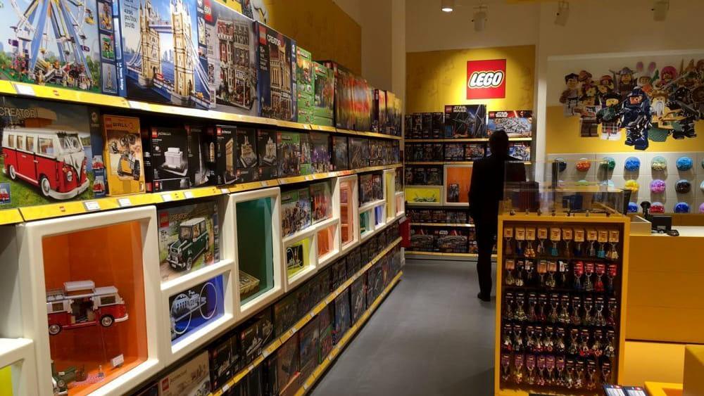 Lego apertura di un nuovo negozio a torino si cerca for Lago outlet milano