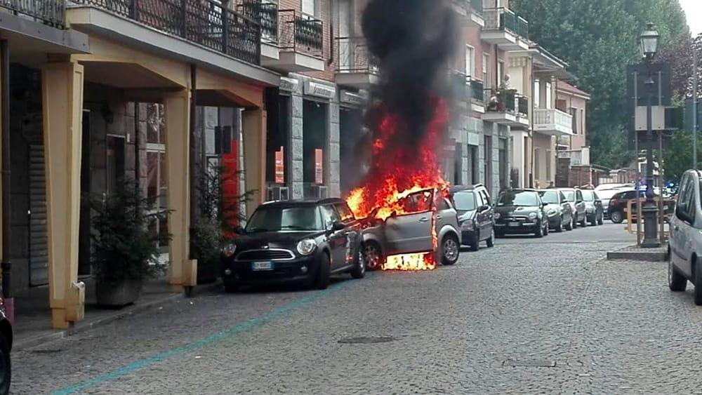 Incendio di auto a orbassano for Bricoman orbassano orbassano to