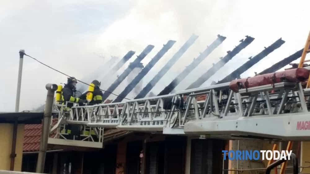 San maurizio canavese a fuoco il tetto di una casa salva - Casa di cura san maurizio canavese ...