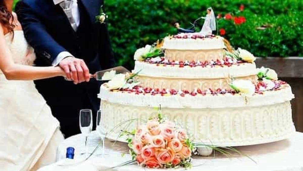 Pranzo Nuziale Chi Paga : Sposi fuggono senza pagare dopo il pranzo di nozze in un