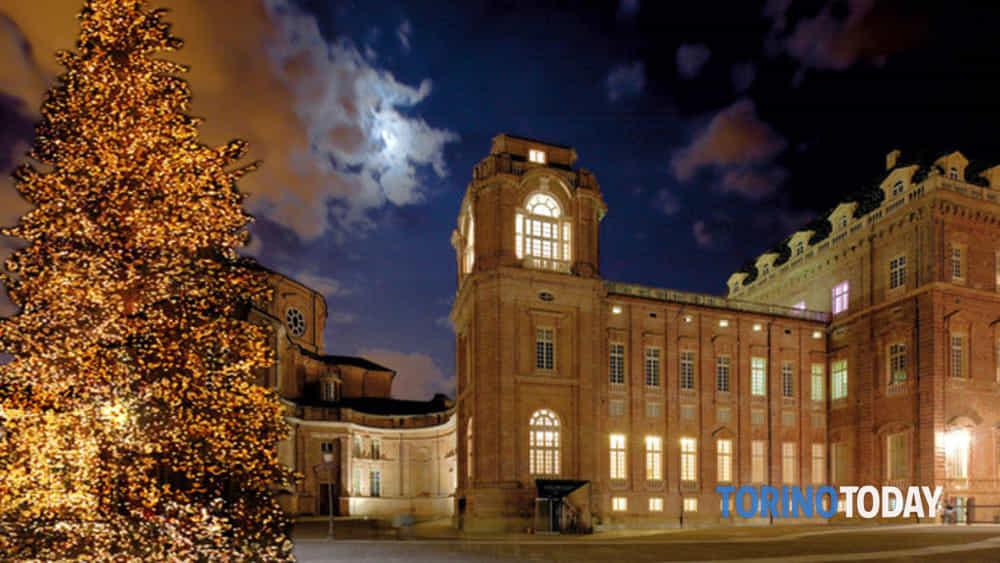 Villaggio Babbo Natale Torino.Alberi Di Natale D Arte Al Villaggio Di Babbo Natale Di