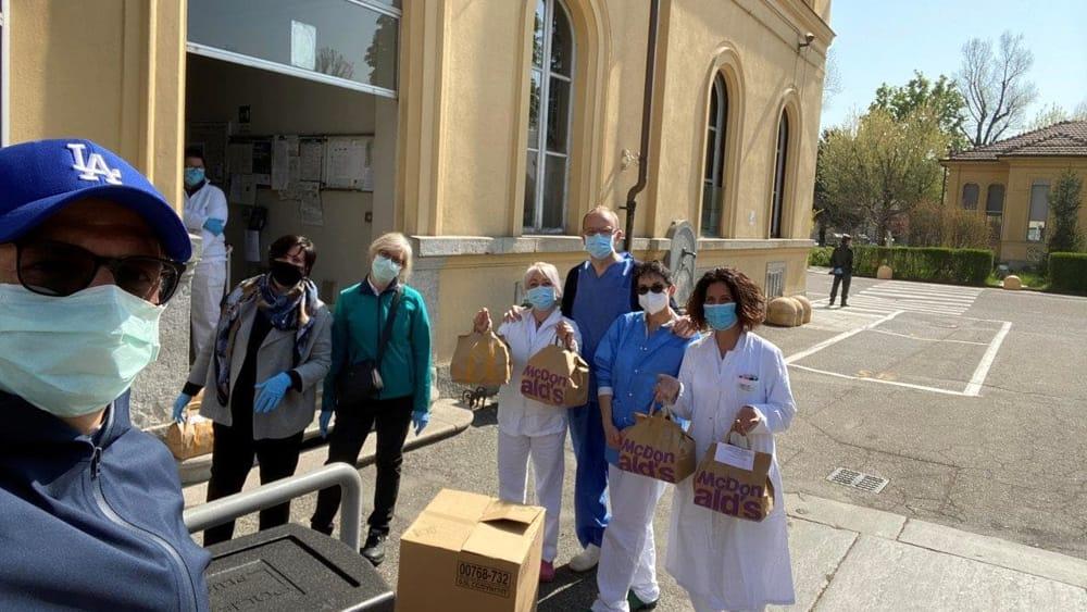 Mc Donald's dona 1125 pasti a medici e infermieri dell'Amedeo di Savoia