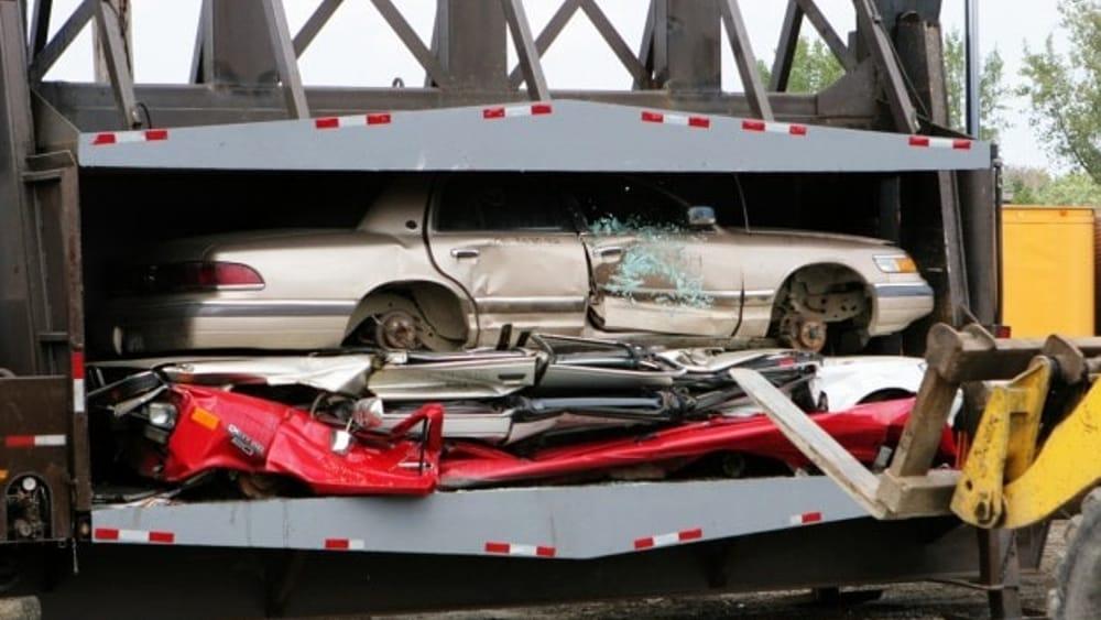 Rottamazione auto  Come funziona  Dove rottamarla