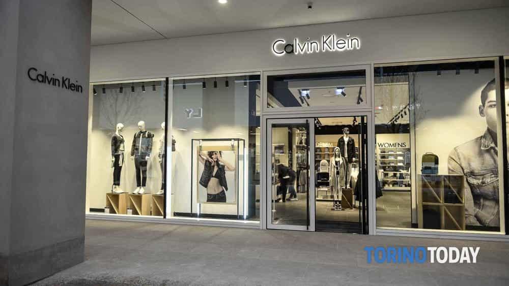 Torino outlet village negozi stefano guidi 11 for Tessuti arredamento outlet torino
