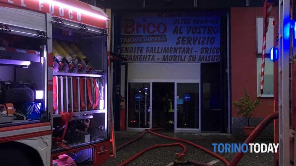 Outlet Mobili Torino Orbassano.Incendio Al Brico Nuova Saracco Di Via Reiss Romoli Dipendente